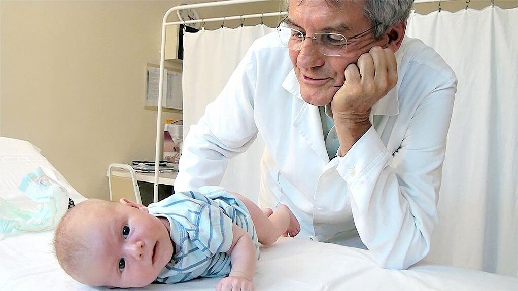 babadoktor, babadoktor.hu, dr. Péley Iván, csípőtorna, csecsemőgondozás, újszülöttgondozás, babaápolás, ortopéd szakorvos
